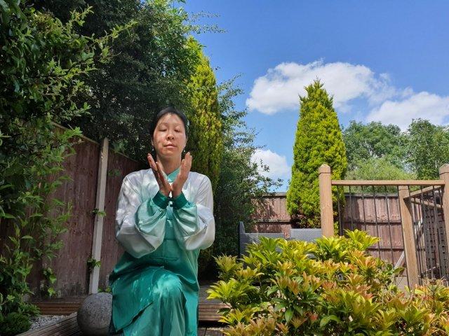 Qigong With Angela Banner